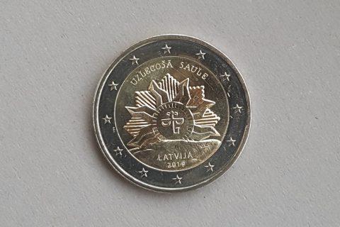 """Kolekcijas papildināšana- Latvijas 2 eiro piemiņas monēta """"Uzlecošā saule""""."""